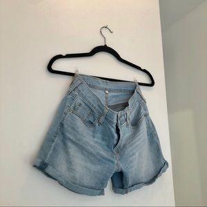 COPY - Levi's denim shorts